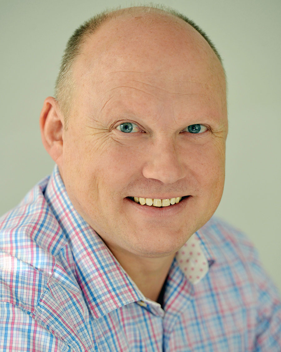 Simon Wrigley Headshot